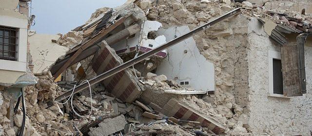 earthquake-1665898_640